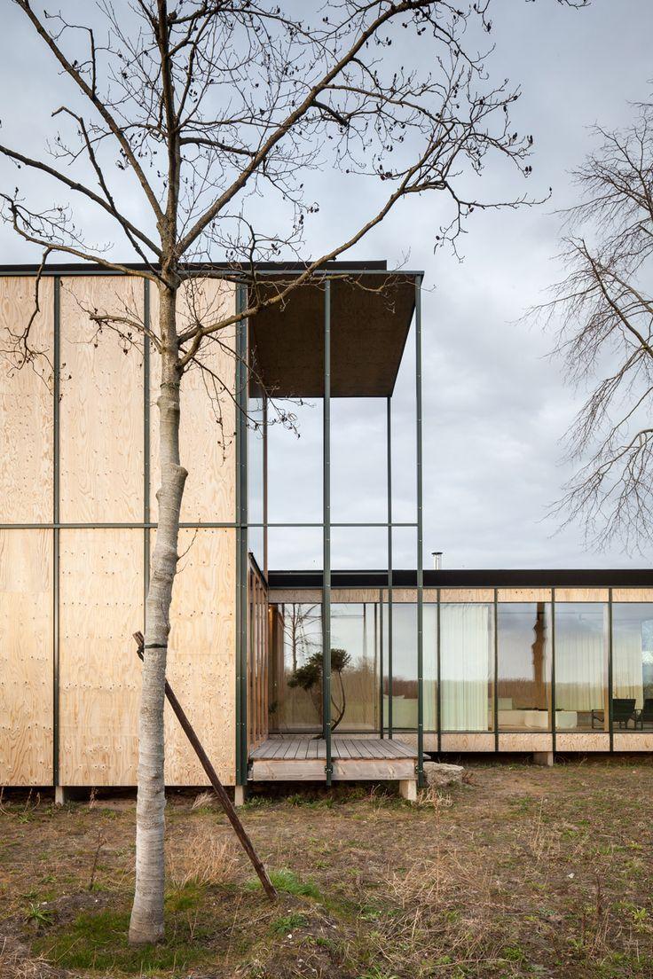 Modern house design architecture belgian holiday house for Modern holiday home designs