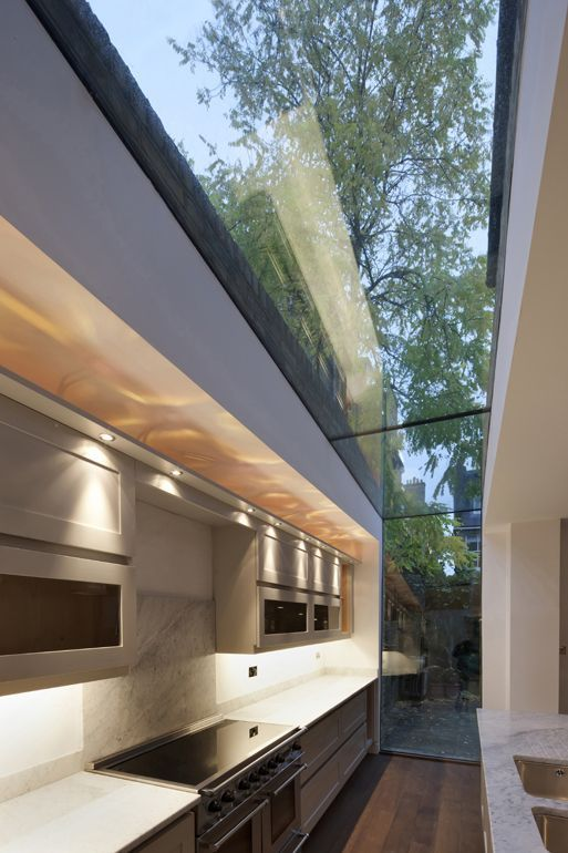 Modern House Design Architecture Glass Side Return Like The Smoked Glass The Near Flat Roof The Modern Surroun Dear Art Leading Art Culture Magazine Database