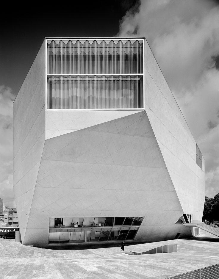 Architecture modern design rem koolhaas casa da for Da architecture