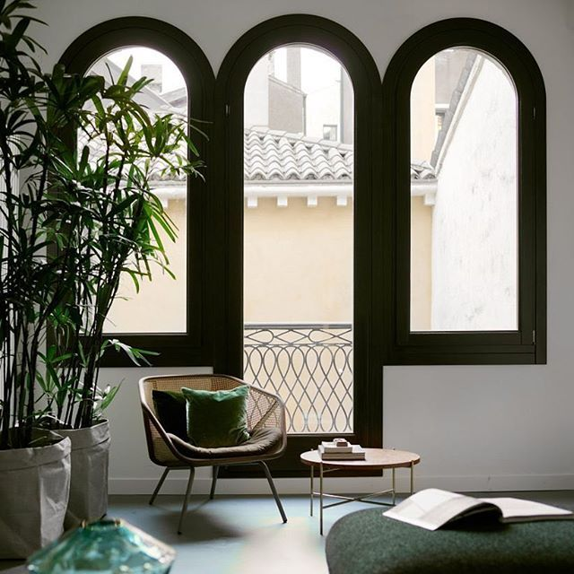 Modern interiors design this contemporary venetian flat features in our roundup of of 10 homes - Top contemporary home design features ...