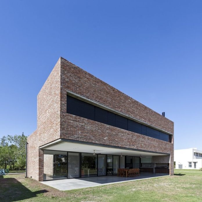 Modern house design house with bricks mart n aloras dear art leading art culture - Contemporary house decor ...