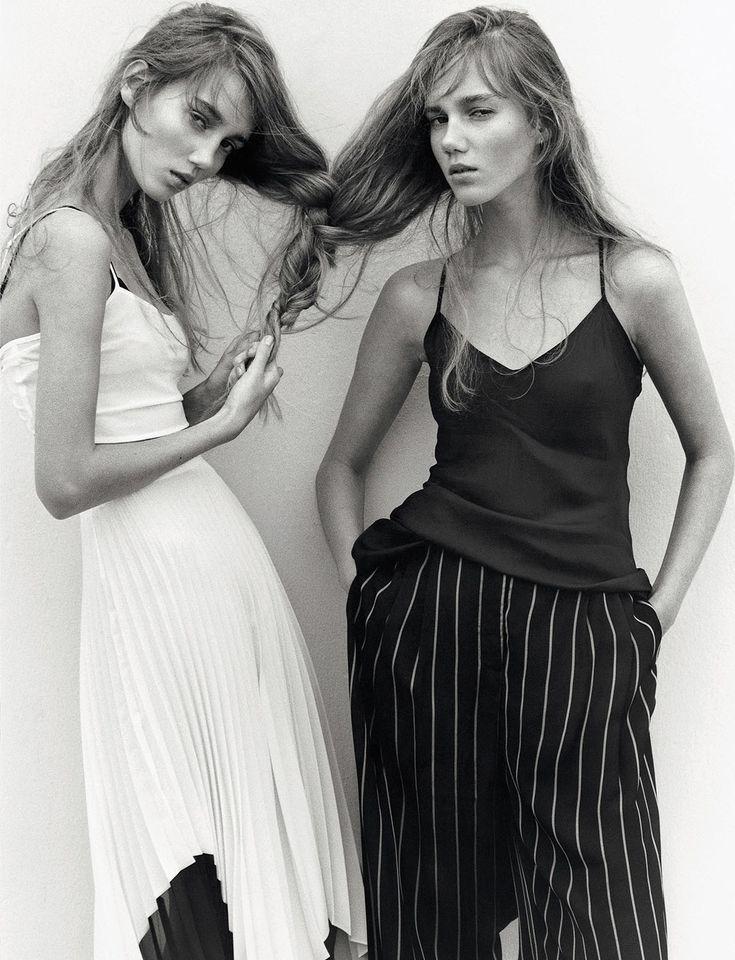 Photography Poses Twin Sisters Mi Armario En Ruinas Dear Art